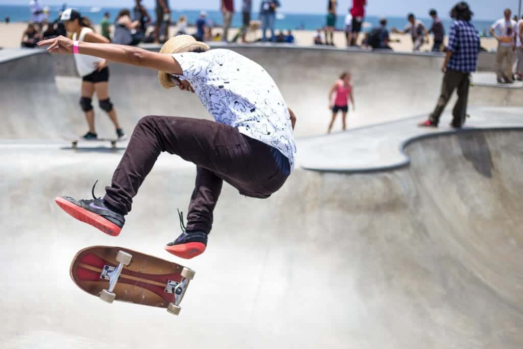 Top 6 Awesome Skateboarding Tricks You Should Learn